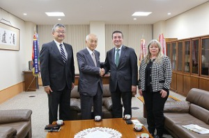 Ambassodor of Paraguay visited Toyo3